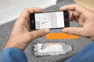 Easy Assembly App Blum Smartphonebildschirm