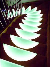 paltian treppenbau setzt auf led technik leuchtende stufen weisen den weg. Black Bedroom Furniture Sets. Home Design Ideas